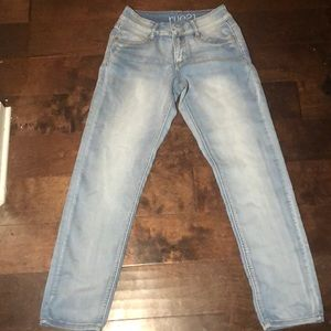 ‼️Mid Rise Rue 21 light washed jeans‼️